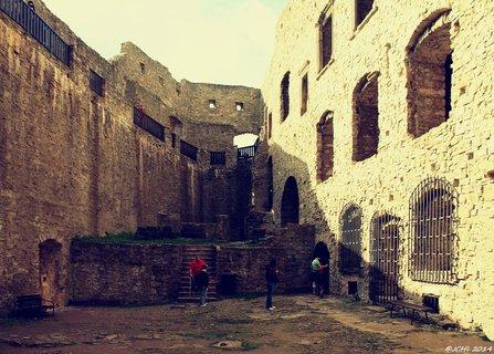 FOTKA - hrad   ♥ Hukvaldy
