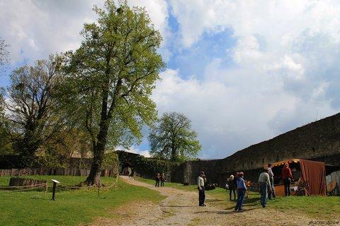 FOTKA - are�l hradu  Hukvaldu