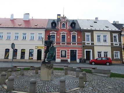 FOTKA - Na náměstí v Klášterci/ Ohří