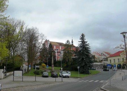 FOTKA - Ke kostelu v Klášterci nad Ohří