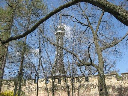 FOTKA - Dubnová  procházka  - Petřín