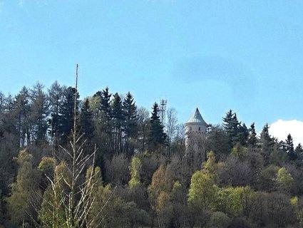 FOTKA - Opravený hrad nad Jáchymovem