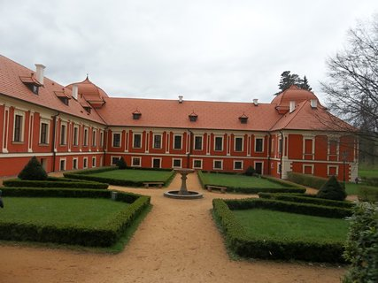 FOTKA - Z�mek Ostrov