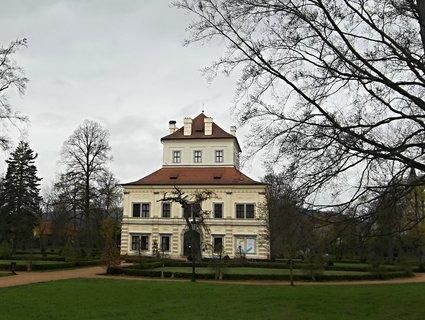 FOTKA - Ostrov - Letohrádek