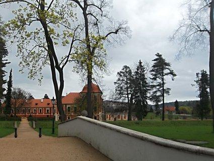FOTKA - Park a zámek Ostrov