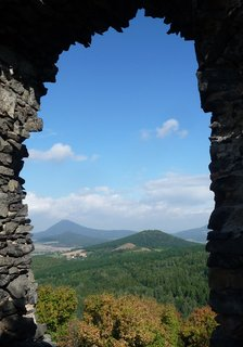 FOTKA - Průhled oknem přímý