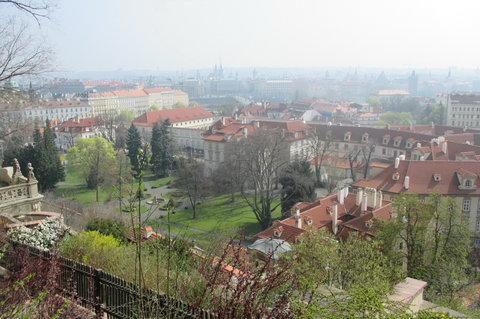 FOTKA - Ze zahrad pod Pražským hradem , březen:  zahrada bývalého velvyslanectví