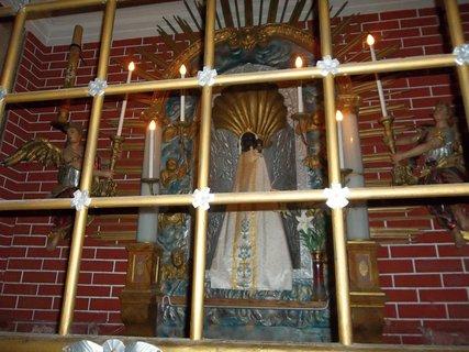 FOTKA - �ern� Panna Maria z Rumburka