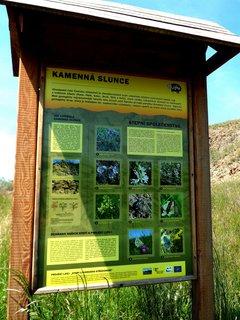 FOTKA - Jsme v přírodní chráněné krajině ,kde najdeme kamenná slunce.