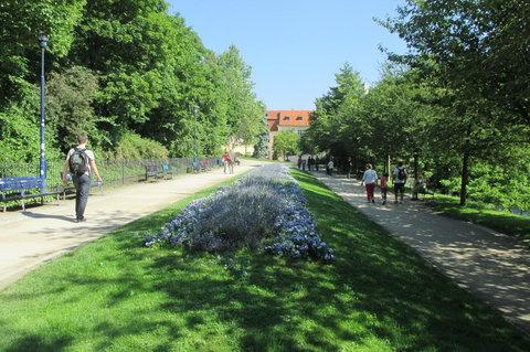 FOTKA - Cesta k lanovce stanice Újezd