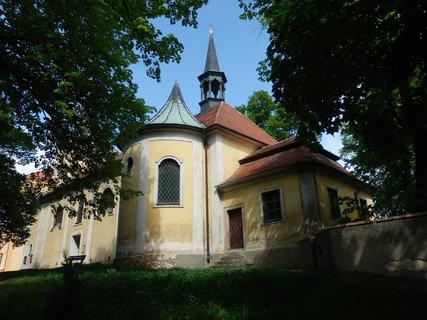 FOTKA - Liteň barokně přestavěný gotický kostel sv. Petra a Pavla
