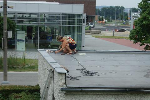 FOTKA - opravuji střechu po krupobití