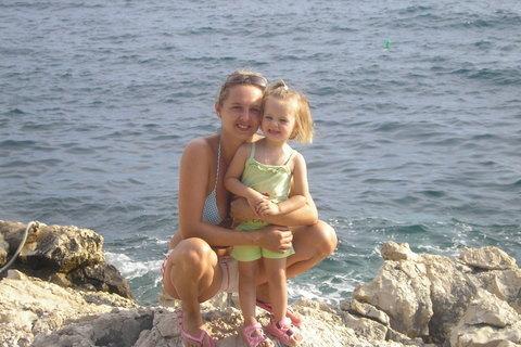 FOTKA - S maminkou u moříčka