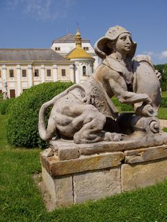 FOTKA - socha v zámeckém parku v Lysé nad Labem *