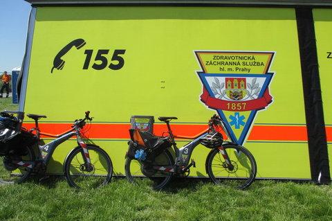FOTKA - Den s Policií  2014 - zachránaři přijíždí i na kole , netušila jsem