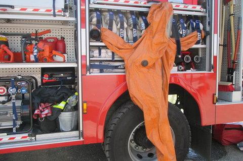 FOTKA - Den s Policií  2014 - útroby  hasicího vozu