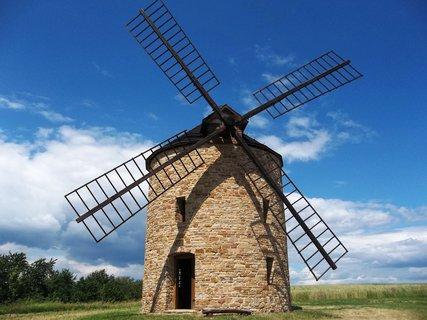 FOTKA - Jalubí, větrný mlýn..včera