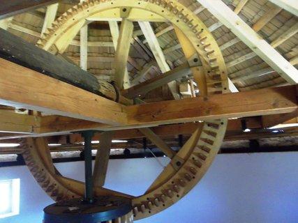 FOTKA - Jalubí, větrný mlýn..mlýnská kola