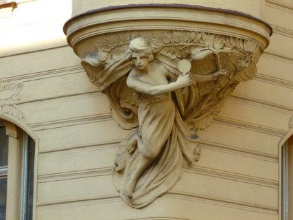 FOTKA - zajímavé prvky na fasádách secesních domů, Praha- Smíchov