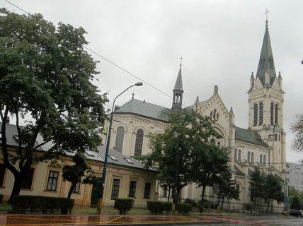 FOTKA - Bratislava.. kostel