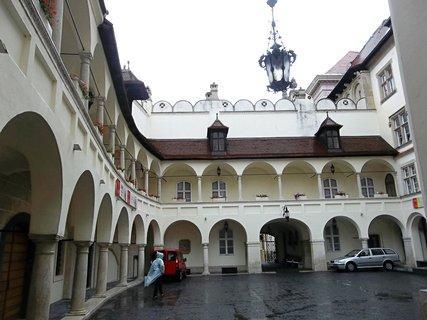 FOTKA - Bratislava.. Muzeum dějin města..krásné nádvoří