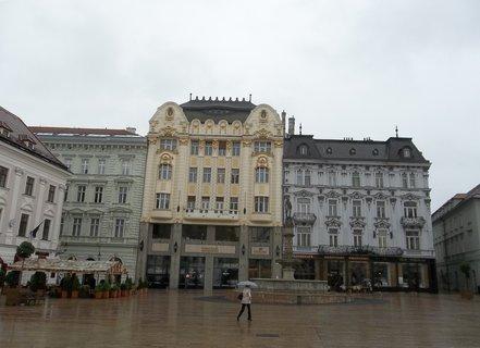FOTKA - Bratislava.. Hlavné nám.