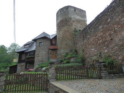 FOTKA - Vimperk - městské hradby s vestavěnými domky