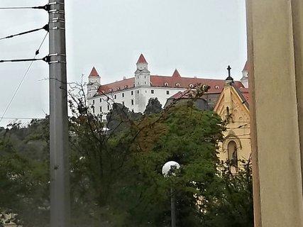 FOTKA - Pršelo, na Hrad jsme nešli