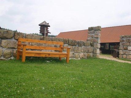 FOTKA - lavička k posezení