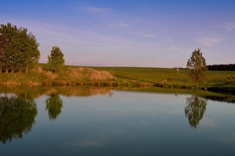 FOTKA - Poklidn� letn� ve�er u vody