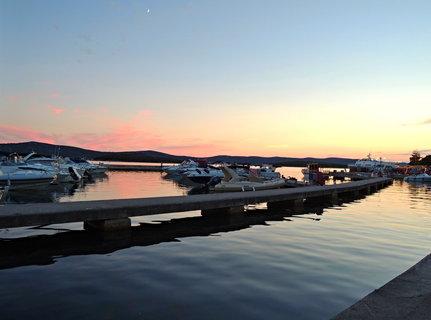 FOTKA - Západ slunce nad přístavem