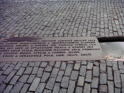 FOTKA - Před 300 lety...