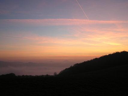 FOTKA - Západ slunce nad středohořím