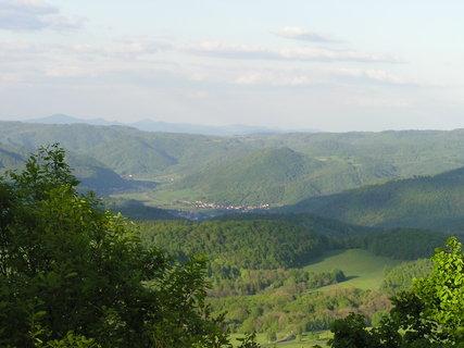 FOTKA - Vysoký Ostrý - pohled na kraji v údolí