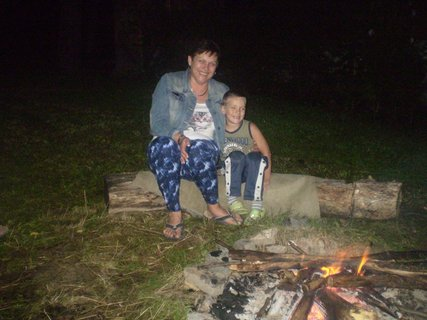 FOTKA - s maminkou večer u ohníku