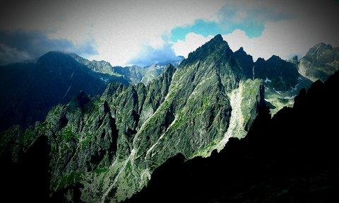 FOTKA - Vysoké Tatry - Lomnické sedlo, vrcholky hor