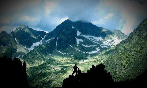 FOTKA - Vysoké Tatry - Lomnické sedlo, zbytky sněhu