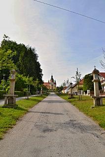 FOTKA - Křížová cesta ke kostelu v Chlumu u Třeboně