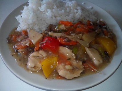 FOTKA - Kuřecí wok s rýží