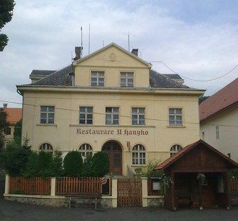 FOTKA - Hospůdek je v Zubrnicích více, tato však je mimo hlavní akce uzavřena