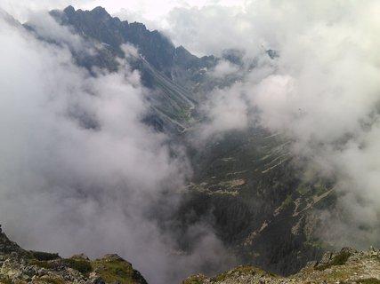 FOTKA - Vysoké Tatry - mezi mraky prosvítá cestička