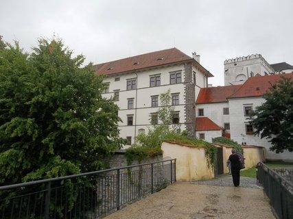 FOTKA - J. Hradec.. přestalo pršet