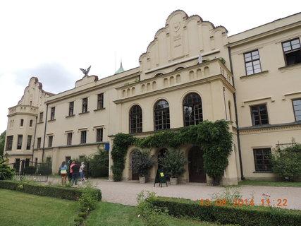 FOTKA - Poslední pohled na zámek patřící Paní Dianě Phipps Sternberg