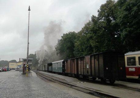 FOTKA - J. Hradec .. čoudící mašinka