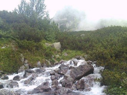 FOTKA - Vysoké Tatry - voda přes kameny