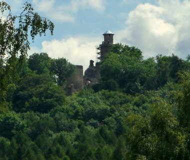 FOTKA - Kostomlaty p. Milešovkou - rekonstrukce hradu