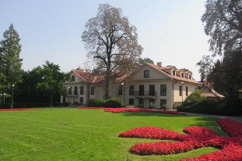 FOTKA - Prezidentská vila v Královské zahradě