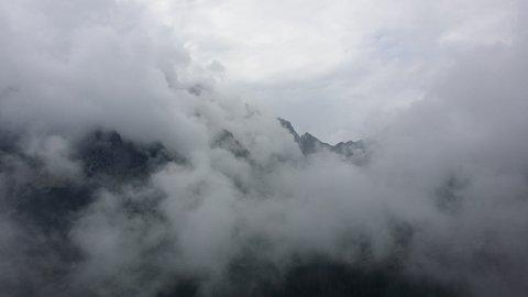 FOTKA - Vysoké Tatry - mlha jako hustý dým
