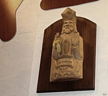 FOTKA - svatý Ambrož   patron včelařů
