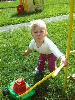 FOTKA - Sofie si hraje,tak nezlobí